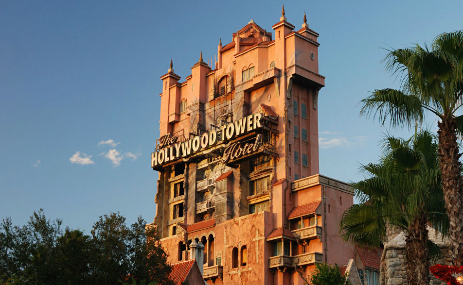 Exterior da Tower of Terror, no Hollywood Studios (Foto: Wikimedia Commons)