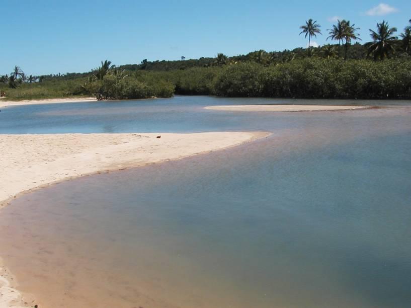 A Praia dos Nativos é a que fica em frente ao mirante do Quadrado de Trancoso