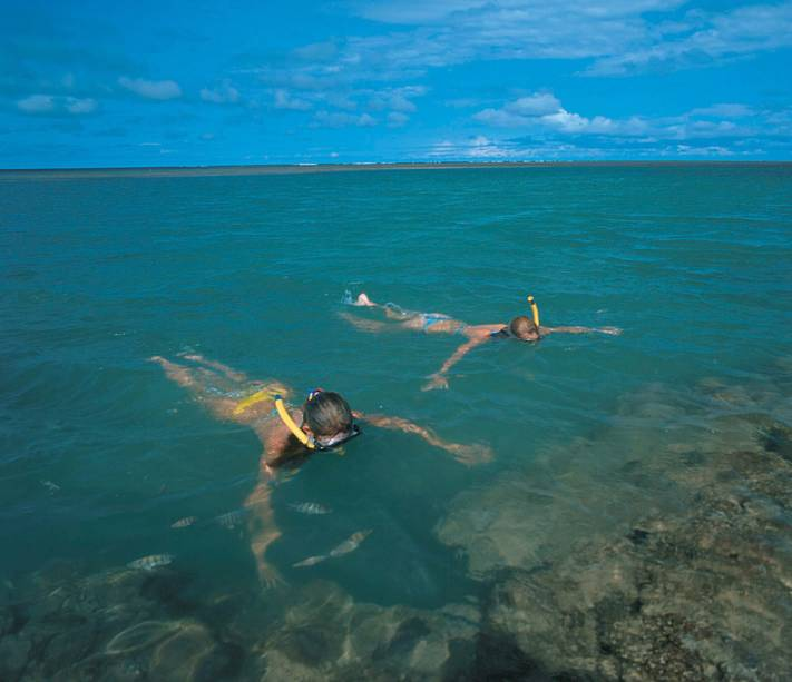 Mergulho com Snorkel na Praia de Itaquena, água cristalina em local praticamente deserto