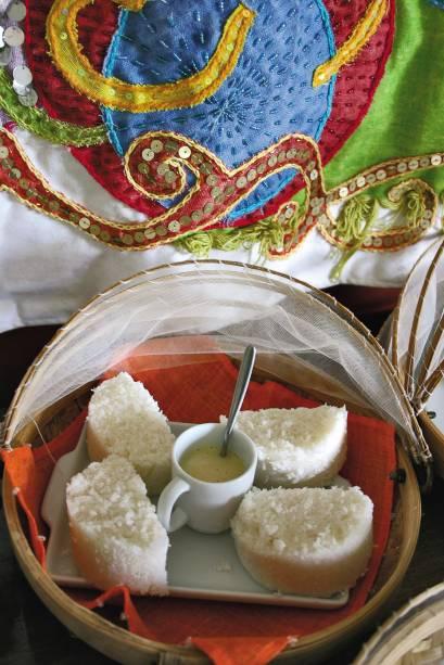 Cuscuz de tapioca servido no café da manhã do Hotel da Praça, em Trancoso