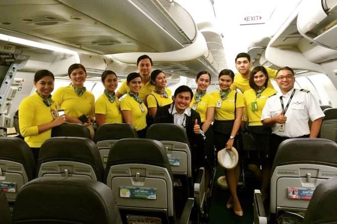 tripulação Cebu Pacific que ajudou bebe a nascer em voo