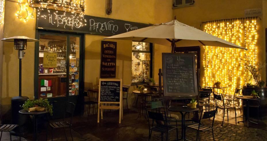 Em Turim você encontrará muitos pequenos restaurantes com o melhor da cozinha do Piemonte e do Valle dAosta