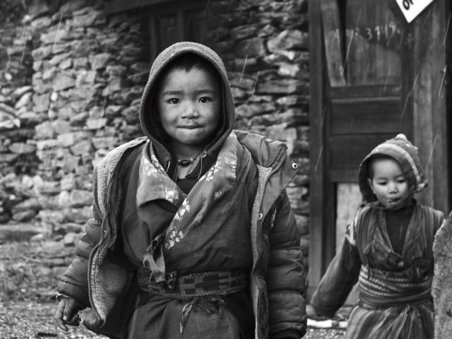 Um primeiro encontro com crianças no Tibete