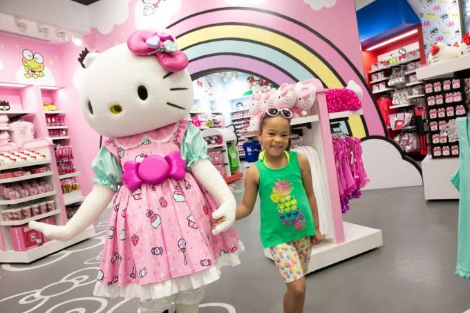 Hello Kitty StoreMerchinterior Talent CharacterAven