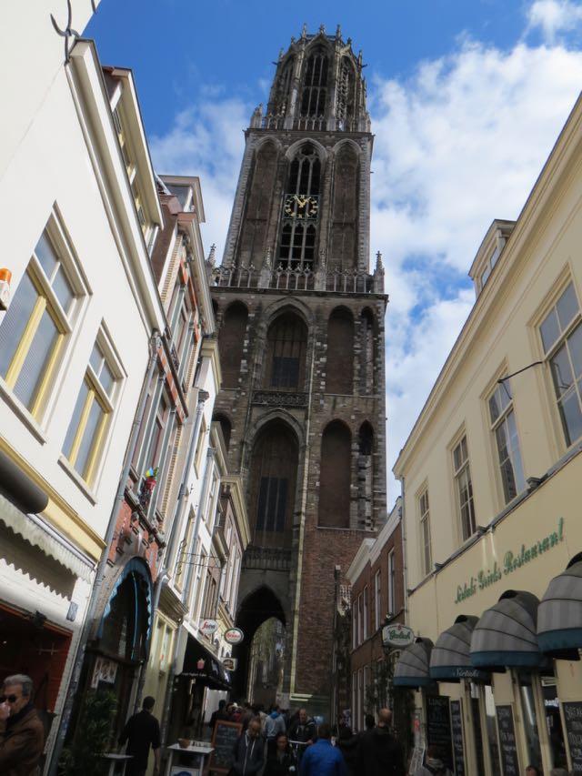 A magnífica Dom Tower, visível de toda a cidade