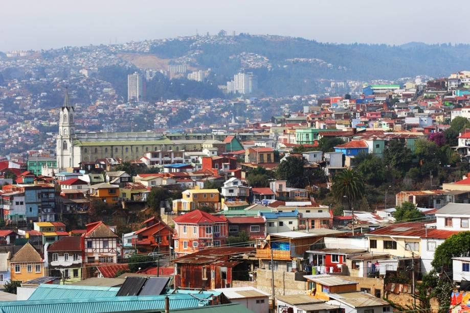 A cidade portuária de Valparaíso, localizada a 144 km de Santiago, é como uma imensa arena que se debruça sobre o Oceano Pacífico