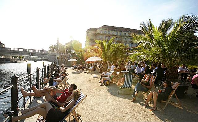 Dia de praia em Berlim [Foto: Top10Berlin/Bernd Schönberger]