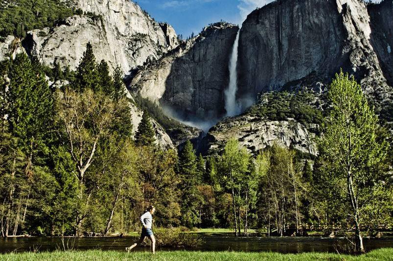 Yosemite Falls, na Califórnia. Passeio muito recomendado para quem visita o parque nacional.