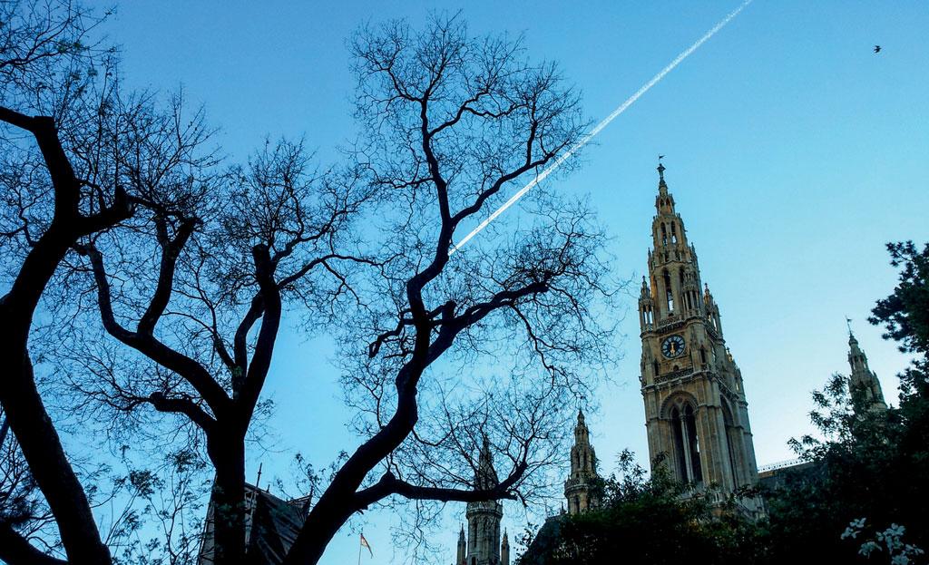 Entardecer na Prefeitura de Viena, Áustria