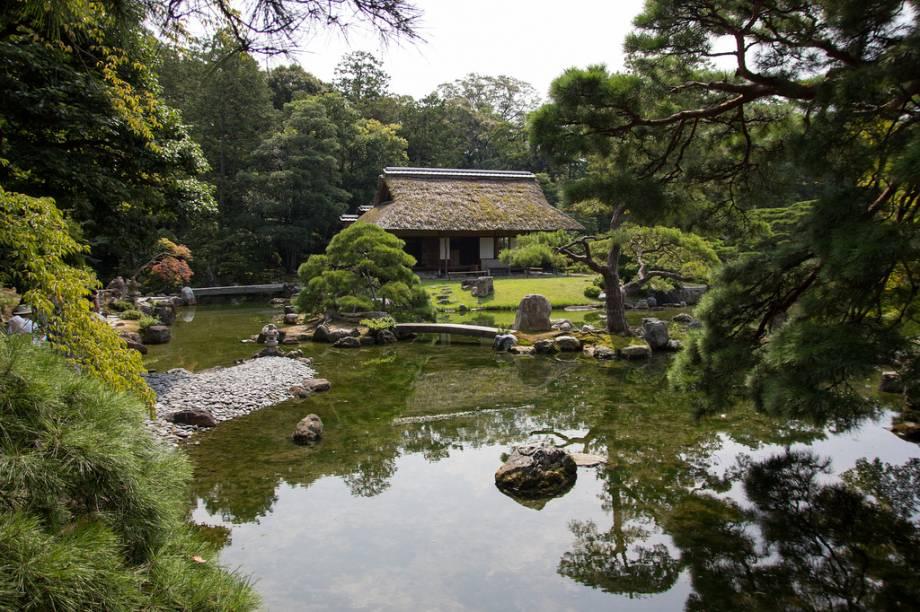 Os jardins são um elemento fundamental na proposta paisagística das casas japonesas e não são exceção na vila imperial Katsura Rikyu
