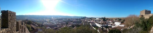 Vista de Óbidos em um dos pontos da muralha (foto: Renata Hirota)