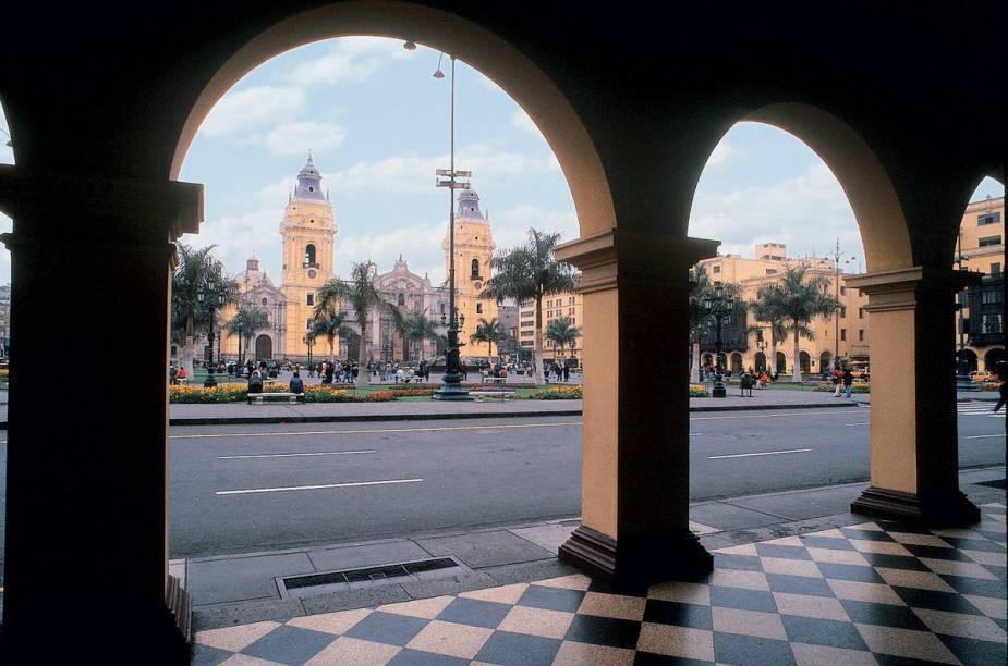 Com suas construções repletas de arcos e balcões de madeira, o Centro Histórico de Lima é perfeito para fazer belas fotografias