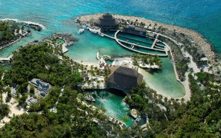 Panorama geral de Xcaret, ao sul de Cancún, um complexo que reúne passeios como flutuação, aquário, mergulho com golfinhos e shows