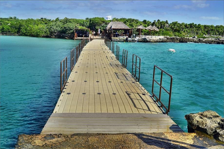 Ponte flutuante em Xel-Há