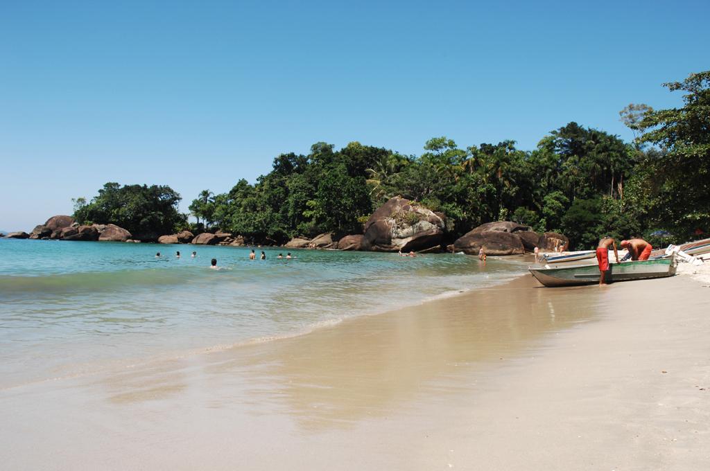 Pequena e tranquila, a Praia do Félix é procurada por surfistas