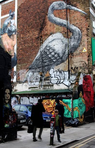 <strong>8. Pássaro: grafite do artista belga ROA</strong>Ao se deparar com essa parede, não deixe de gastar um tempinho admirando a ave do artista belga ROA, que, geralmente, produz imagens de animais e pássaros silvestres e urbanos que são nativos na área em que são pintados. Ele tem obras espalhadas em diversas partes do mundo, com destaque para os trabalhos na Nova Zelândia, como uma taturana produzida em janeiro de 2014