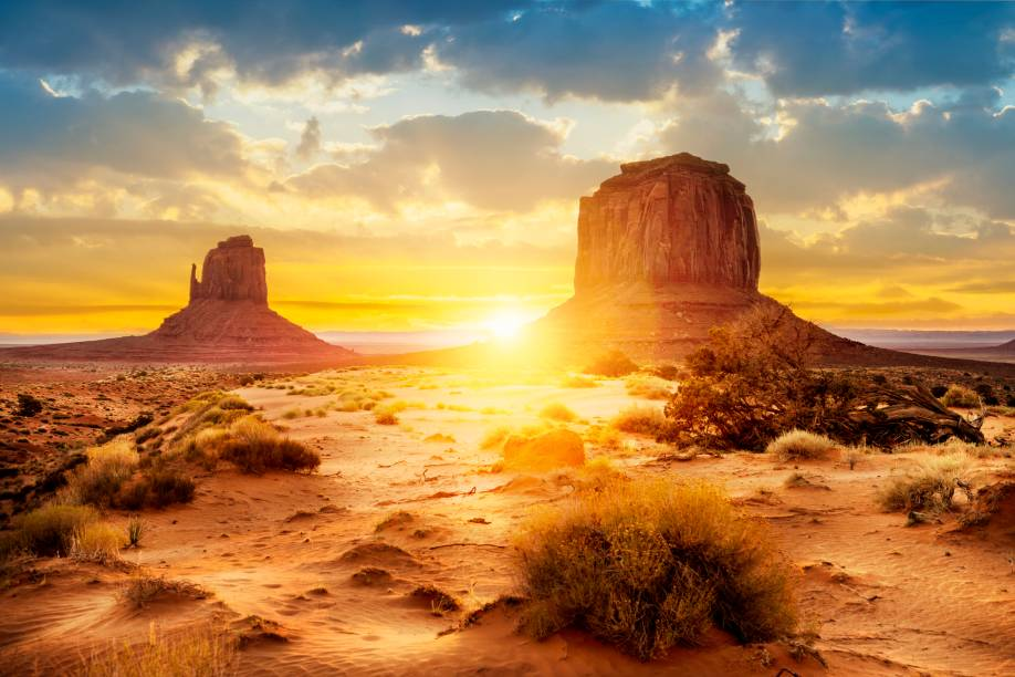 """<strong>Monument Valley <a href=""""http://viajeaqui.abril.com.br/paises/estados-unidos"""" rel=""""(EUA)"""" target=""""_blank"""">(EUA)</a></strong>"""