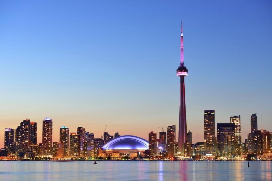 "<strong><a href=""http://viajeaqui.abril.com.br/cidades/canada-toronto"" rel=""Toronto (Canadá)"" target=""_blank"">Toronto (Canadá)</a></strong>"