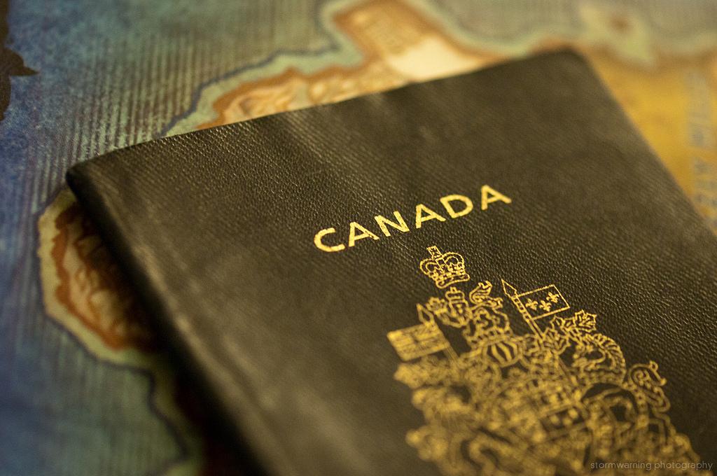 Os detentores desses 4 passaportes não precisam se preocupar com o visto em 154 nacionalidades