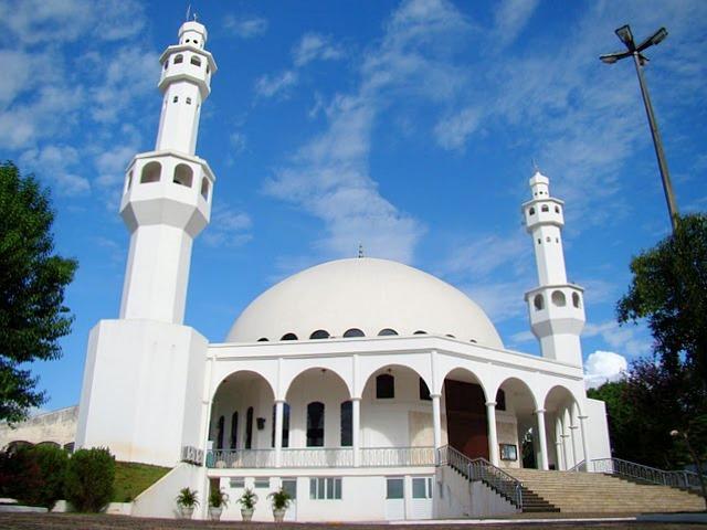 Visita à Mesquita: momento religioso-cultural da viagem