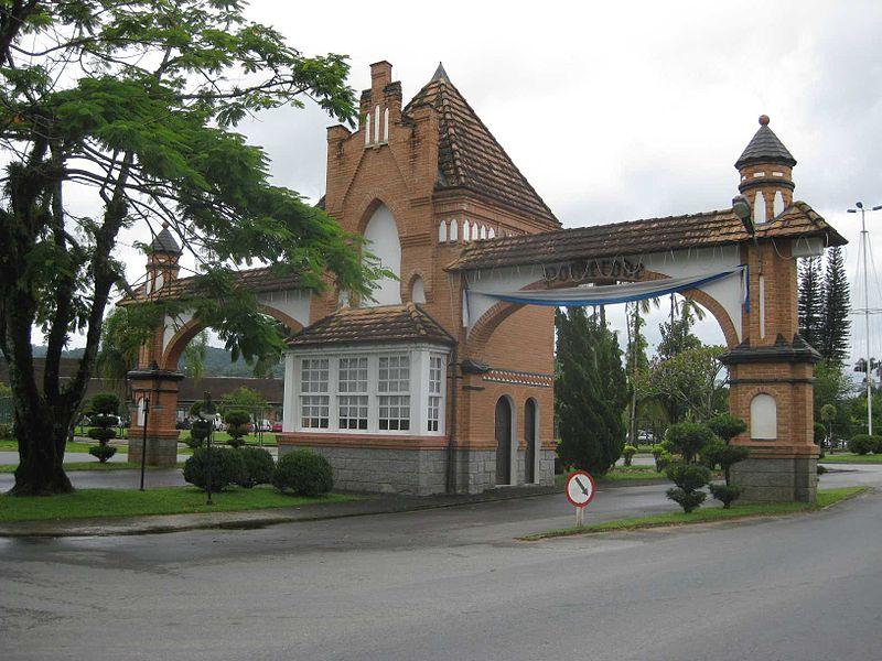 Bem-vindo a Pomerode, a cidade com maior concentração de construções enxaimel no Brasil (foto: JLes/Wikimedia Commons)