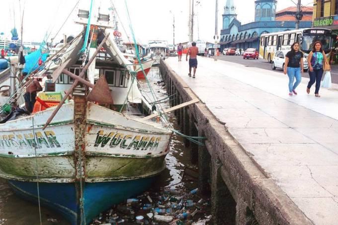 porto-de-belem-para-com-mercado-ver-o-peso-ao-fundo