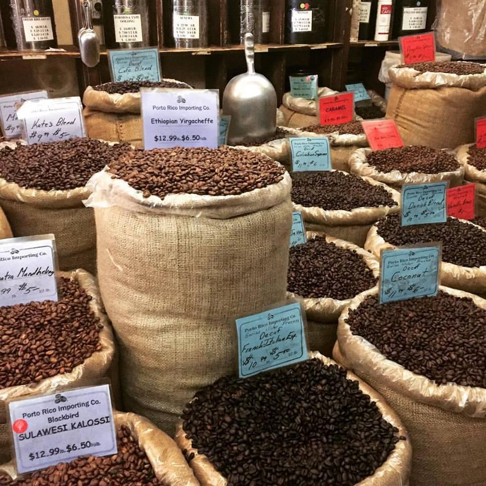 Deus abençoe os imigrantes, que influenciaram a forma de tomar café nos EUA. Além de trazer os melhores grãos ;)