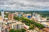 Vista aérea da Ciudad del Este, no Paraguai, famoso centro de compras para quem visita as Cataratas do Iguaçu
