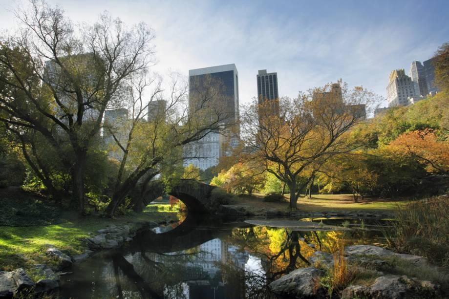 O Central Park ocupa o equivalente a 50 quadras de extensão, entre a região de Midtown e o Harlem. Símbolo do lazer gratuito nova-iorquino, o parque recebe 25 milhões de visitantes por ano