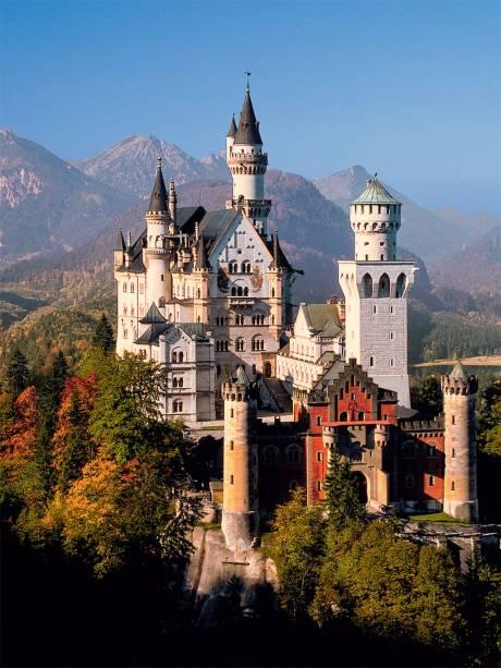 """Neuschwanstein o castelo """"eu queeero"""" que inspirou Walt Disney a construir um igual para a Cinderela"""