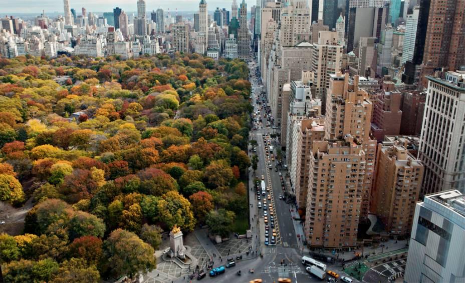 Quando começa o Central Park, as ruas ficam mais elegantes, com fachadas luxuosas e carrões na porta. Todo este glamour de Uptown vem desde 1850, quando as gangues da cidade travavam batalhas no sul de Manhattan e os habitantes mais endinheirados mudaram-se para no norte
