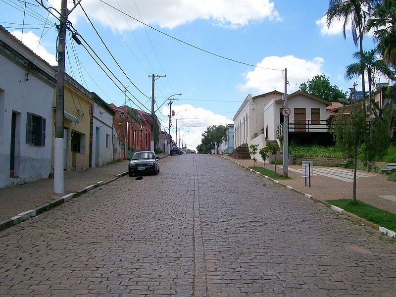 A rua principal de Joaquim Egídio é uma remissão ao passado