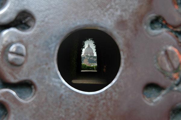 Il buco della serratura, Piazza dei Cavelieri di Malta, Roma, Itália