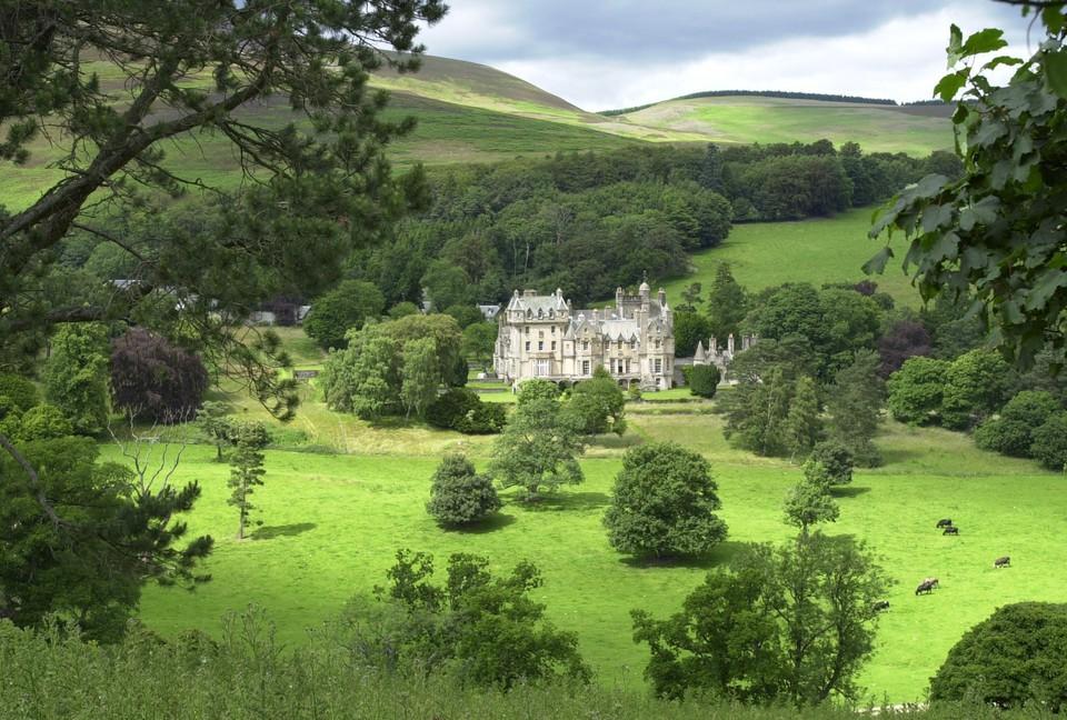 Na Escócia, basicamente tem um castelo como a casa de férias de algum usuário do site
