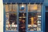 Fachada do bar literário La Belle Hortense, no bairro do Marais, em Paris, na França