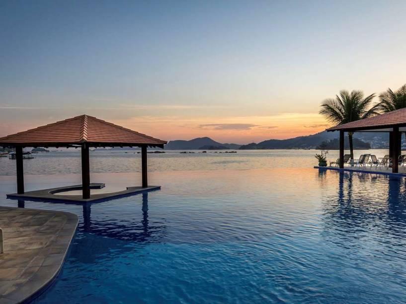 As belas Ilhas Botinas são a paisagem do hotel Mercure Angra dos Reis