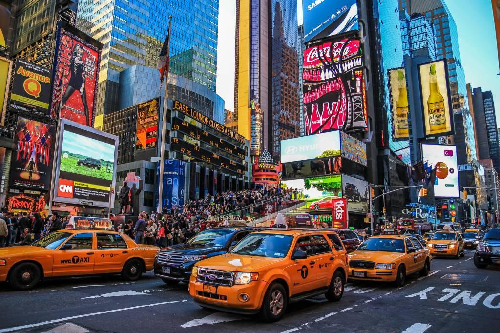 Táxi + Times Square = dinheiro e tempo perdidos.