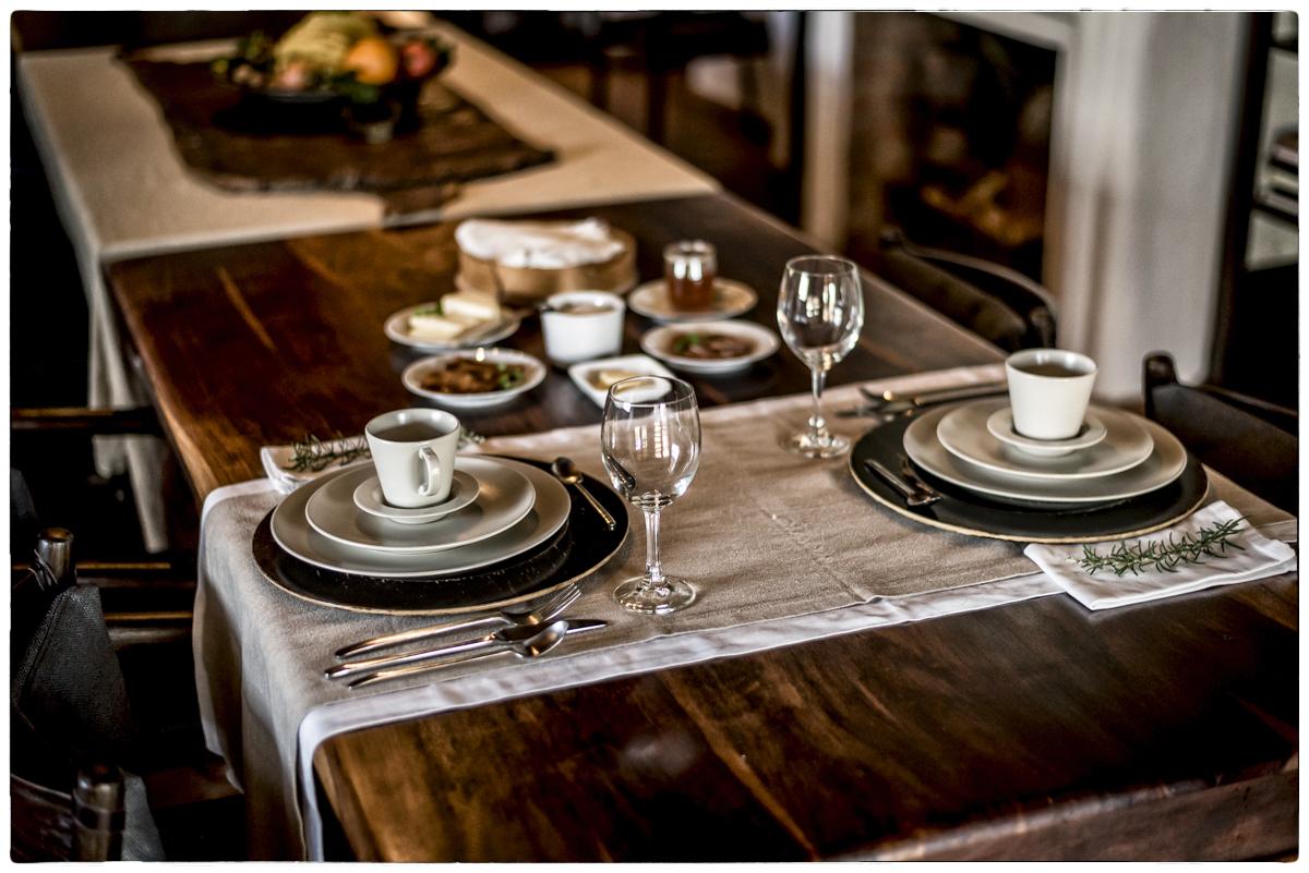 """A mesa do """"pequeno-almoço"""": sempre à espera do mais preguiçoso dos hóspedes"""