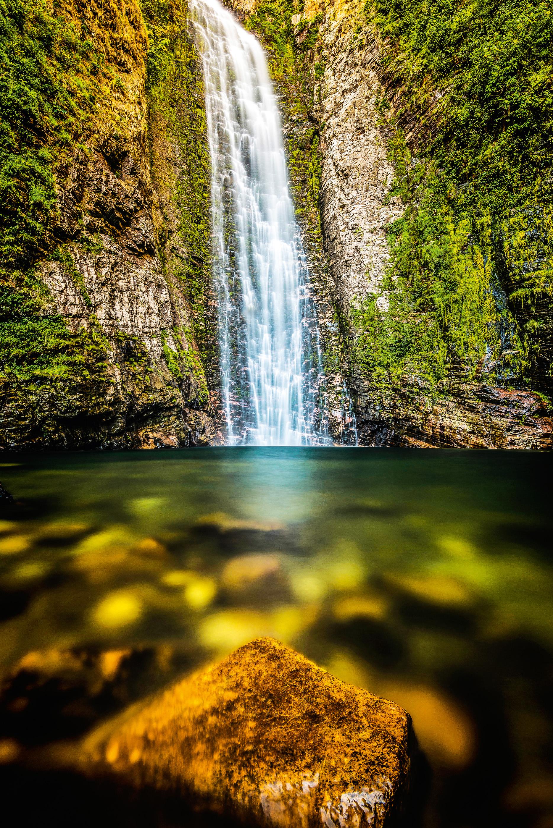 Depois de muitas travessias de rios, a Cachoeira do Segredo é o grande prêmio