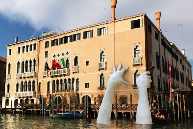 Bienal de Veneza 2017 – Lorenzo Quinn