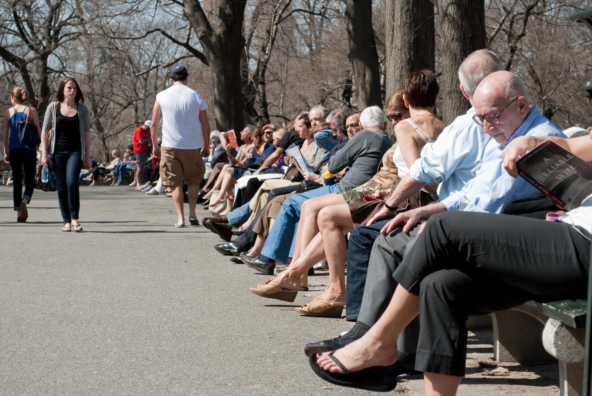 Todo mundo quer um lugar ao sol no Central Park aos fins de semana