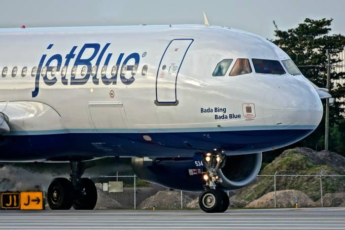 Airbus_A320_(JetBlue_Airways)_FLL_(16460953042)