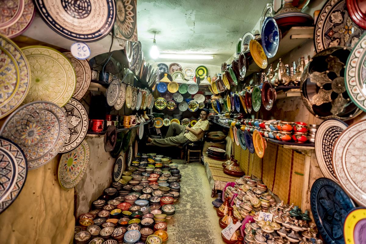 Vendedor de cerâmicas no souk: a vida passa lentamente...