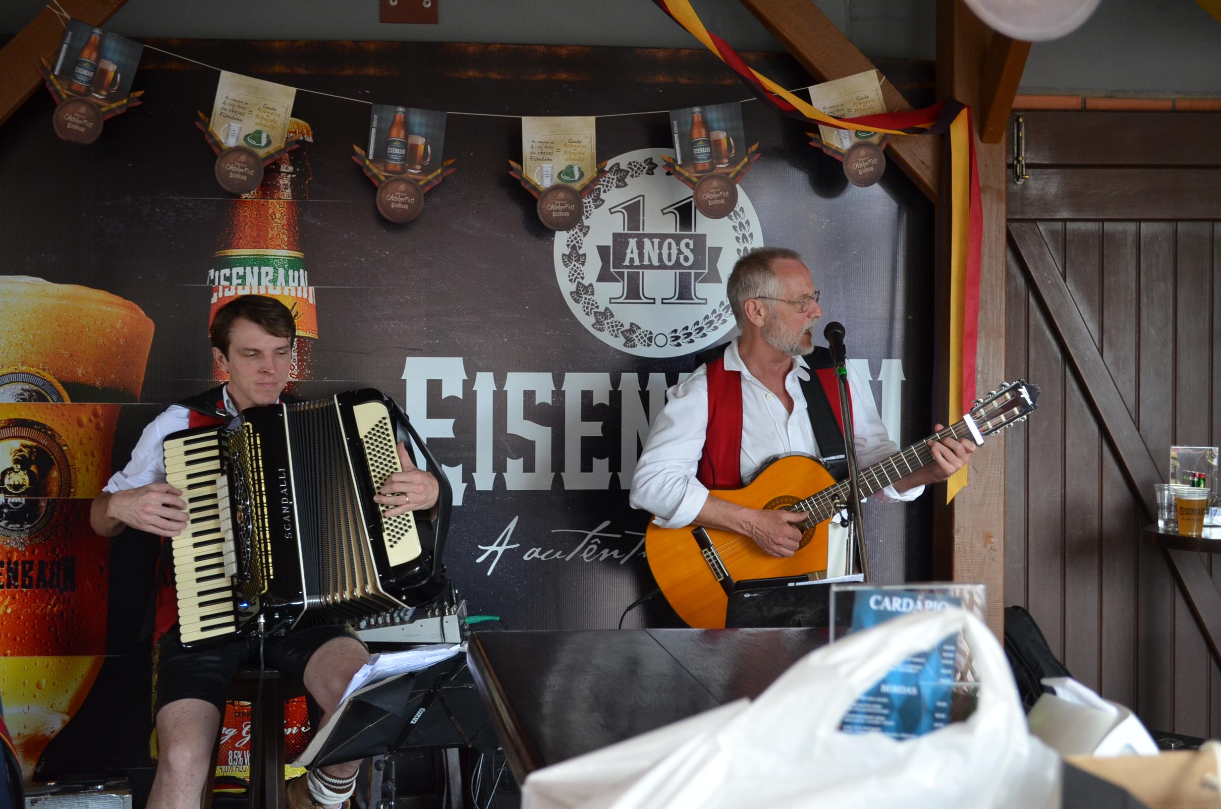 Músicos da Eisenbahn, Bluemenau