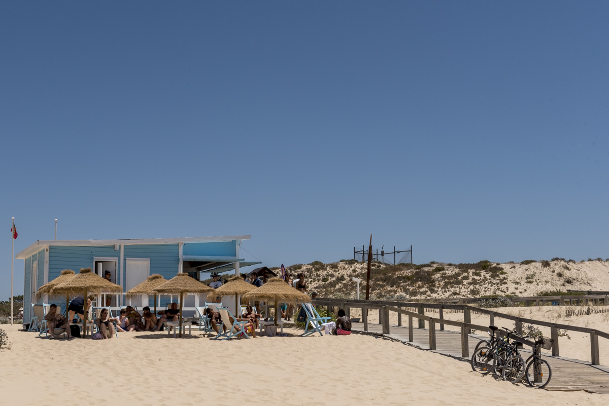 A estrutura de praia do bar Mosquito