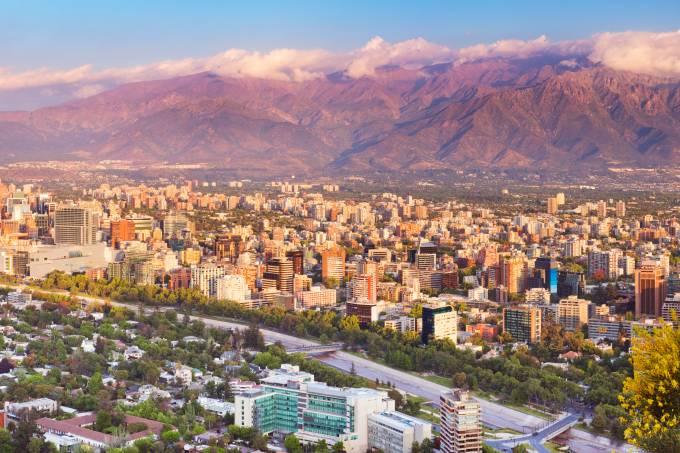 Vista geral skyline da cidade de Santiago no Chile