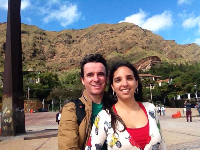 Marden Couto, fotógrafo, e Luana Bastos, jornalista, são profissionais especializados em turismo criadores do blog Turismo de Minas, referência em conteúdo de viagem sobreMinas Gerais