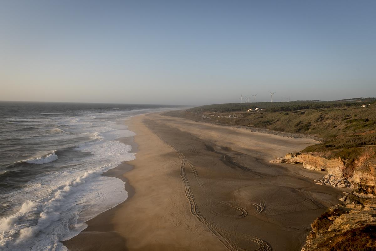 imagem de praia com areia