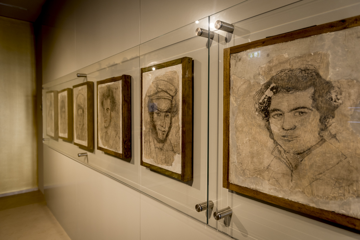 Antigos funcionários retratados pelo artista Victor Rousseau no século 19