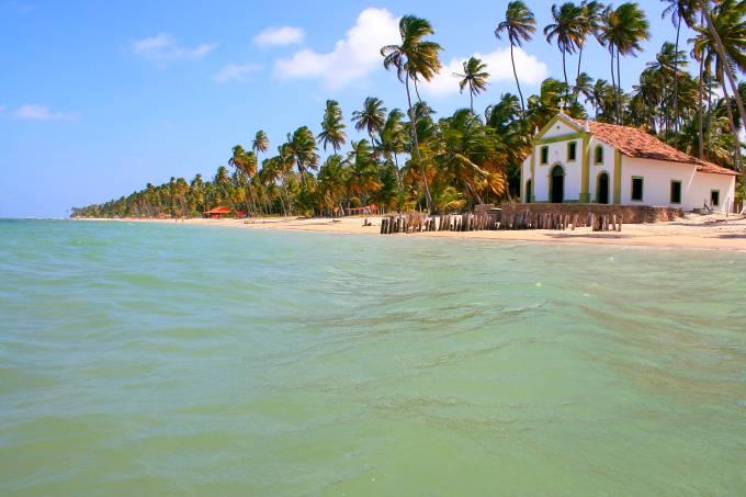 Praia de Carneiros, em Pernambuco, perto de Recife